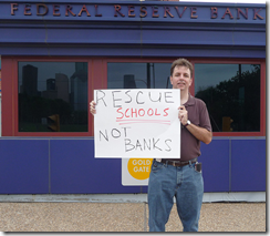 Robert Nagle, bank protest 2009, Houston